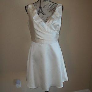 JASMINE BRIDAL PORCELAIN SHORT FORMAL DRESS SIZE 8
